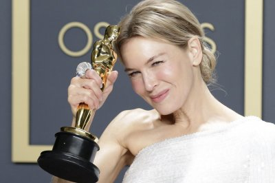 Renee Zellweger to star in NBC crime drama 'Thing About Pam'