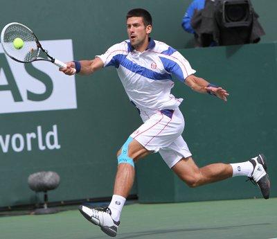Djokovic, Federer win French 1st-rounders