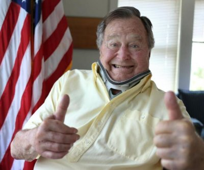 George H.W. Bush posts recovery photo on Twitter