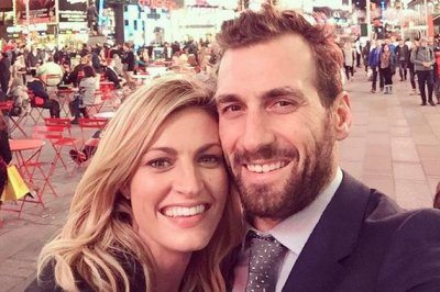 Erin Andrews talks 'comfy cozy' dates with Jarret Stoll