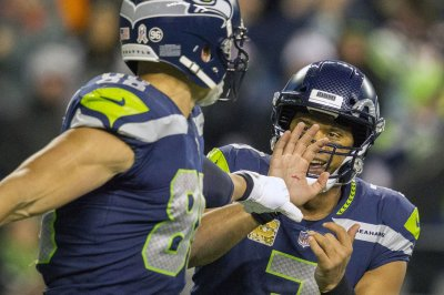 Russell Wilson helps Seattle Seahawks maintain dominance over San Francisco 49ers