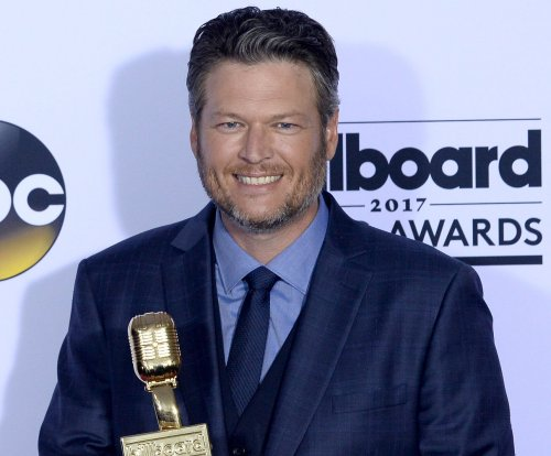 Blake Shelton, Carrie Underwood win big at the CMT Awards