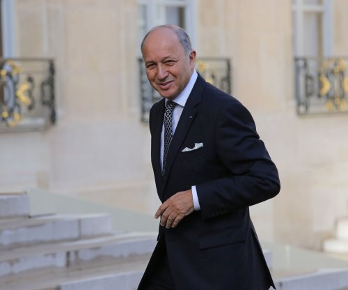 France seeks U.N. resolution on Israel and Palestine