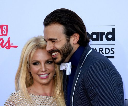 Britney Spears says being single has been 'profound'