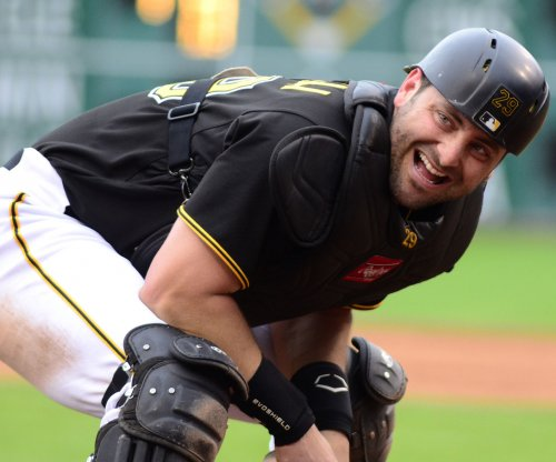 Pittsburgh Pirates agree to three-year extension with C Francisco Cervelli