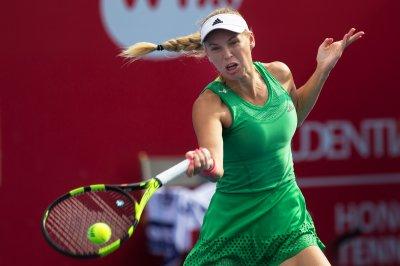 Petra Kvitova advances, Caroline Wozniacki withdraws at Luxembourg