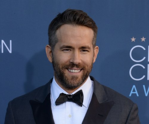 Ryan Reynolds dedicates Critics' Choice Award to Make-A-Wish
