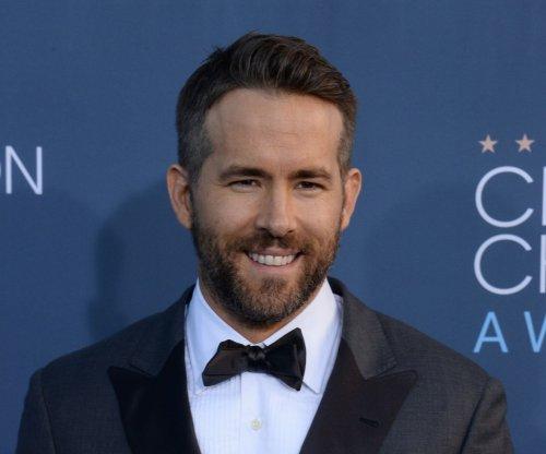 Ryan Reynolds dedicates Critics' Choice Award to Make-A-Wish