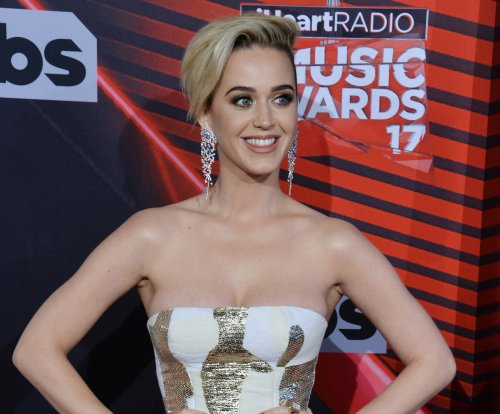 Katy Perry, America Ferrera honored by the Human Rights Campaign