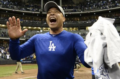 Dodgers agree to four-year extension with skipper Dave Roberts