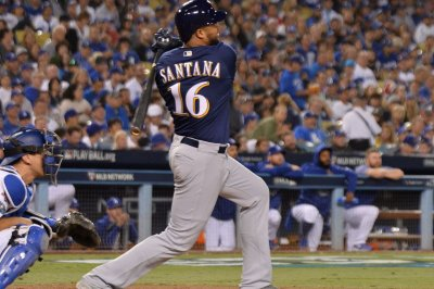 Mariners trade for Brewers' Domingo Santana