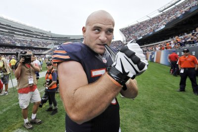 Chicago Bears activate RG Kyle Long from IR