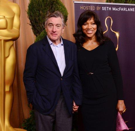 Robert De Niro may join Jennifer Lawrence in 'Joy'