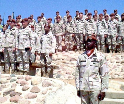 Six soldiers, including four Americans, injured in Sinai explosions