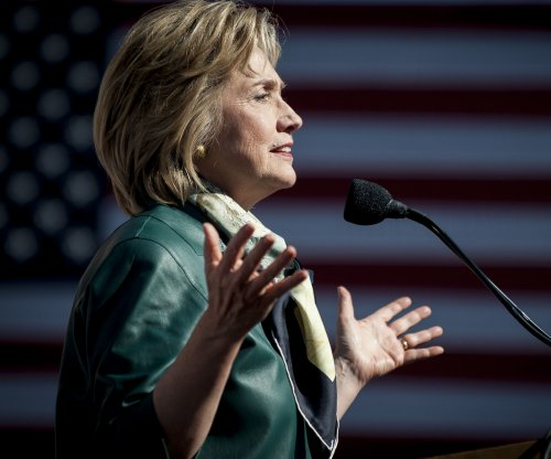 Hillary Clinton calls for marijuana to be reclassified by feds
