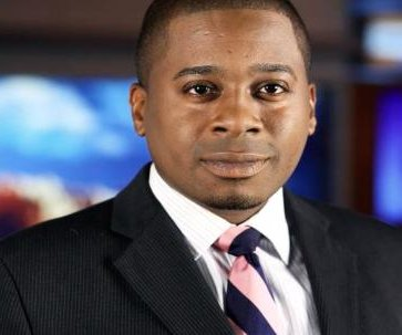 Arizona TV reporter arrested for pooping in yard while working on a story