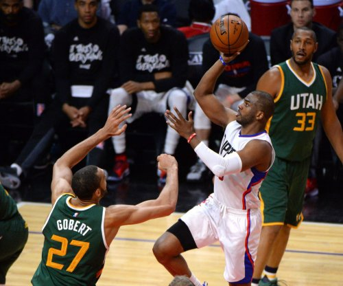 San Antonio Spurs might be ready to chase Los Angeles Clippers' Chris Paul