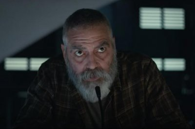'The Midnight Sky' trailer shows George Clooney on perilous mission