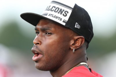 Falcons WR Julio Jones says he's headed 'out of' Atlanta