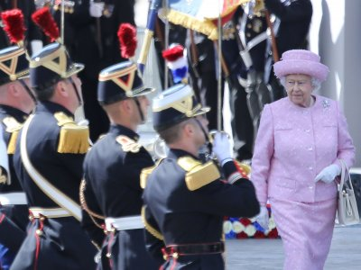 Queen advises Scots to think 'about the future'