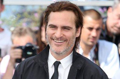 Joaquin Phoenix in talks to portray The Joker in planned origin film