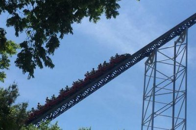 Power outage strands riders on Ohio roller coaster