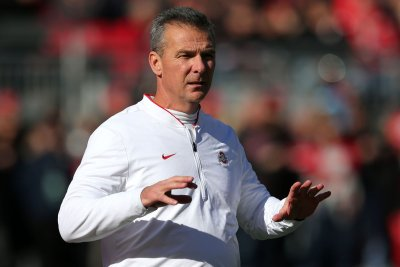 CFB Roundup: Ohio State survives; Alabama breaks away