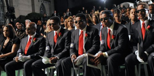 Family gathers for Jackson's burial