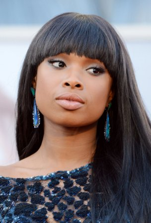 Jennifer Hudson signs on as 'American Idol' judge