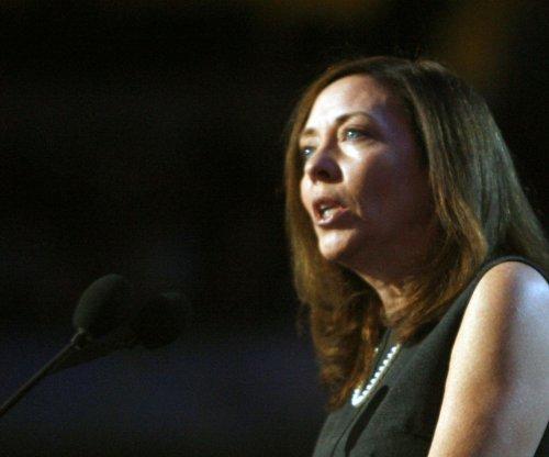U.S. oil train rules inadequate, senator says