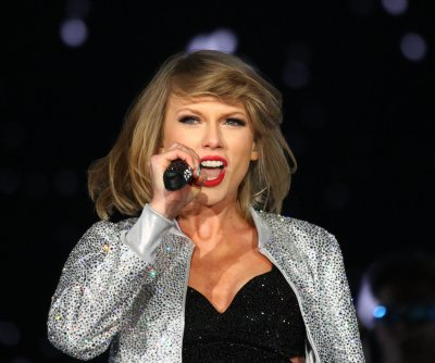 Taylor Swift reveals hardest part of going on tour is leaving her cats behind
