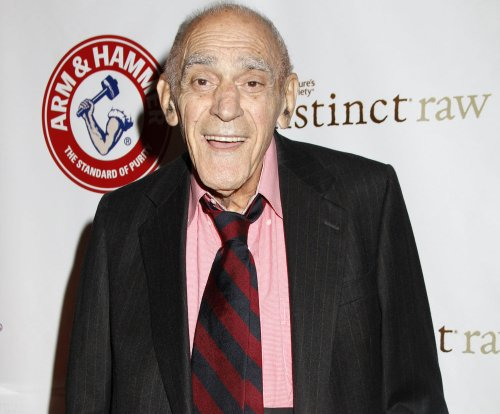 'Barney Miller,' 'Godfather' actor Abe Vigoda dead at 94