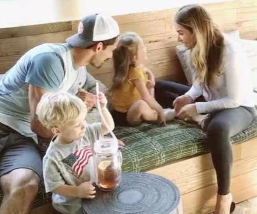 Jessie James and Eric Decker expecting third child