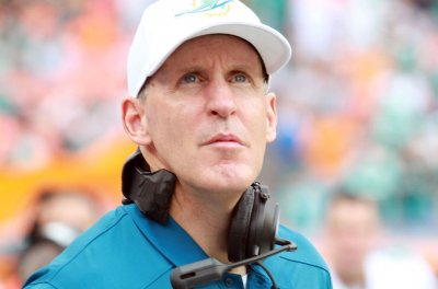 Packers call on Joe Philbin to revive offense