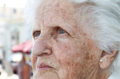 Researchers uncover clues to why women have higher risk of Alzheimer's
