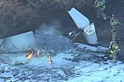 2 killed in Kansas plane crash