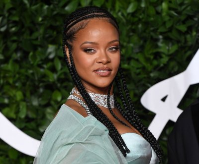Rihanna creating new album without 'rules' or 'format'