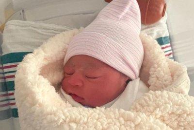 Jaguars' Dawuane Smoot helps wife deliver newborn daughter at home
