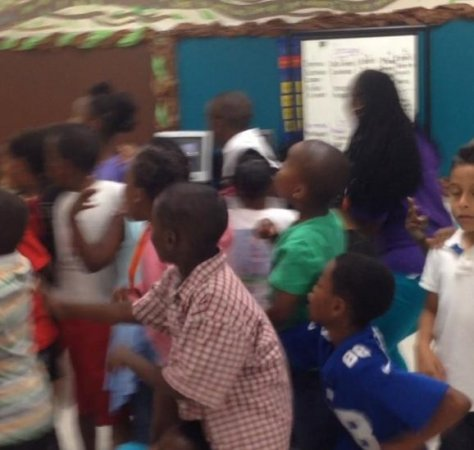 Michael Jordan surprises elementary school kids, they go berserk [VIDEO]