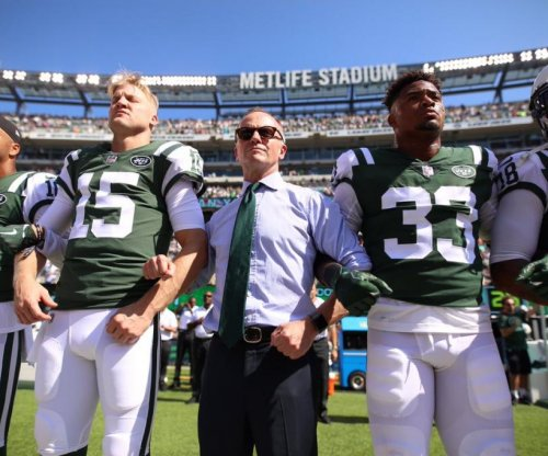 New York Jets owner Christopher Johnson impresses players with show of solidarity