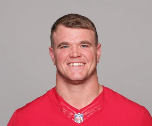 San Francisco 49ers sign first-round OT Mike McGlinchey