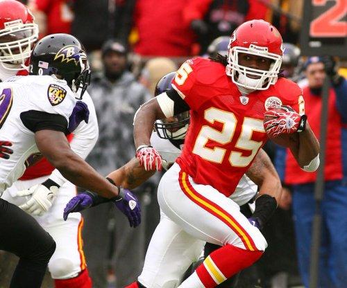 Free-agent RBs Jamaal Charles, Orleans Darkwa to visit Washington Redskins