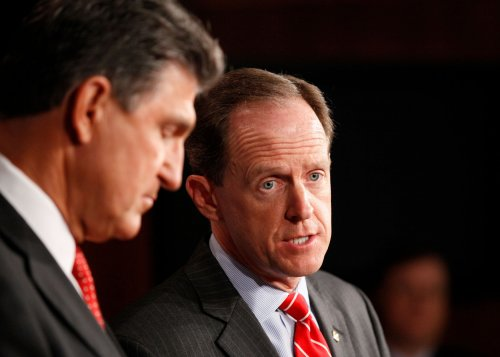 Toomey, Manchin defend compromise on gun purchase background checks