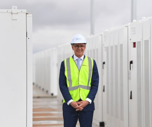 Tesla's giant battery begins powering Australia