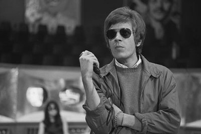 Musician Scott Walker dead at 76