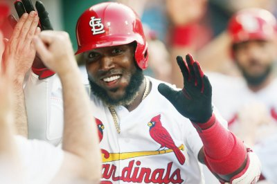 St. Louis Cardinals, Kansas City Royals split double-header