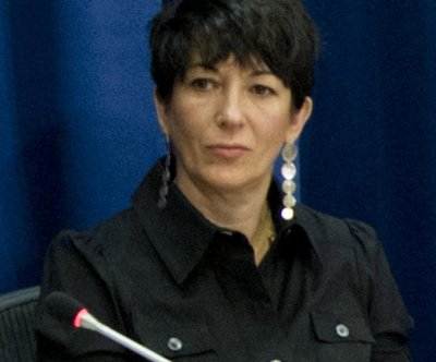 Jeffrey Epstein friend Ghislaine Maxwell an 'extreme flight risk,' prosecutors tell judge