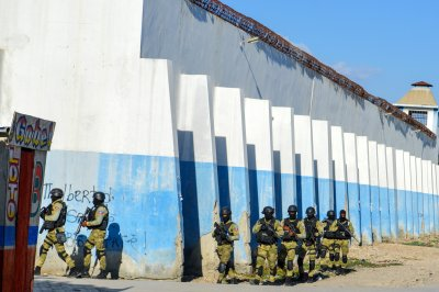25 killed after hundreds of inmates escape Haiti prison