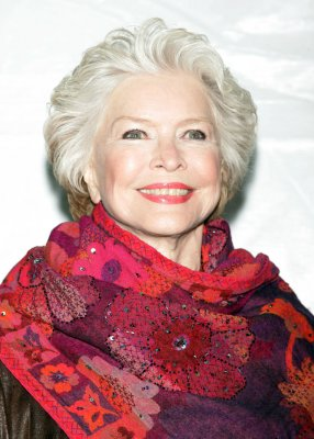 Burstyn joins 'Political Animals' cast