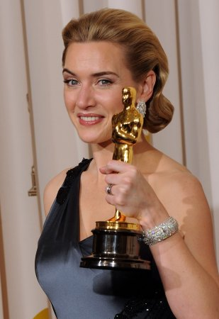 Winslet to star in 'Mildred Pierce' on TV